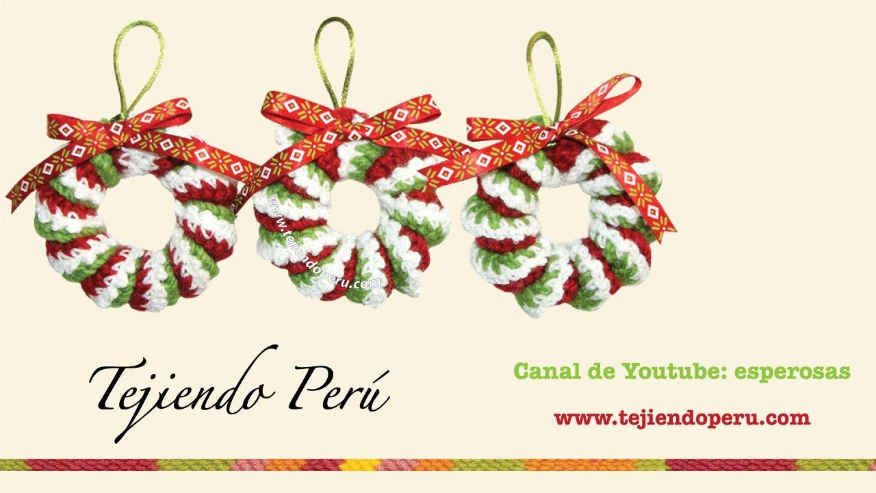Coronas de Navidad hecha de resortes tejidos a crochet - YouTube