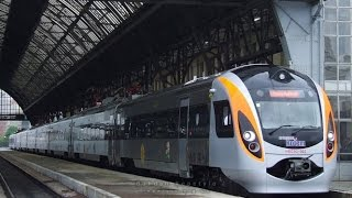 Укрзализныця назначила 14 дополнительных поездов на майские праздники