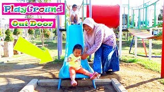 Bermain di Outdoor Playground Fun For Kids - Bermain Perosotan, Komedi Putar di Taman Kota