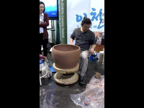 Korean Style Kick Wheel Youtube