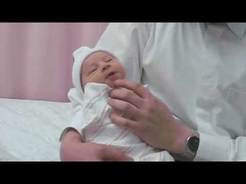 Newborn Baby Talking 1 Day Old Youtube