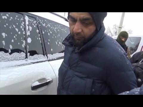 Жесткое задержание мигранта после дорожного конфликта