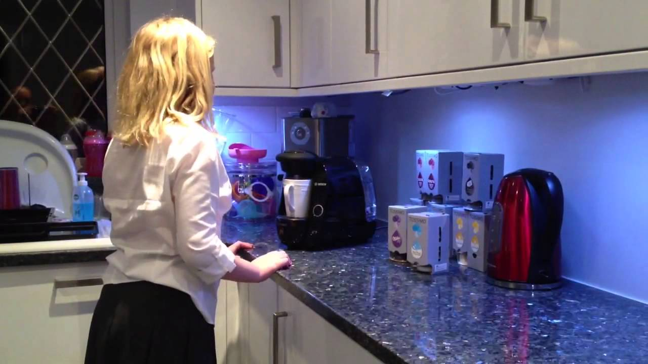 Tassimo Milka Hot Choc Made Easy By A 10 Year Old