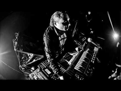 Anthony Rother - (Live At Ein Herz Fuer Electro Harry Klein 2007)