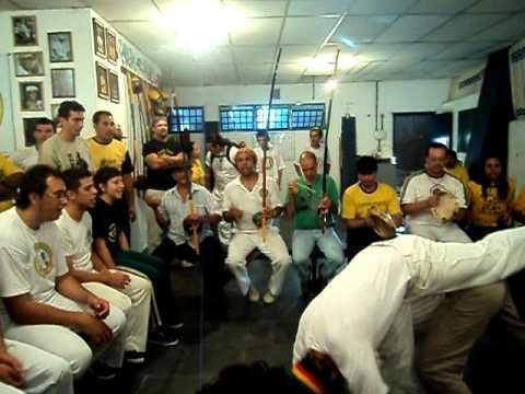 M. Boca Rica Cantando Sambalelê E Mestre Pequeno E Professor Léo Vadiando