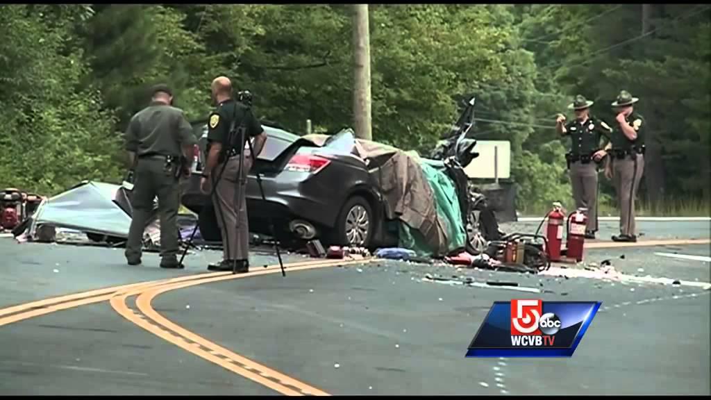 3 dead in car, RV crash in New Hampshire