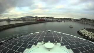 Яхта на солнечных батареях(Впервые в мире яхта, работающая исключительно на энергии солнца, благополучно вернулась из своего необыкно..., 2012-05-15T12:17:49.000Z)