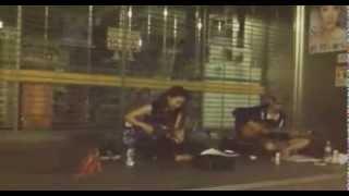 初めて路上で歌った。 2013.9.8 @福岡 新天町付近 もっと練習して出直...