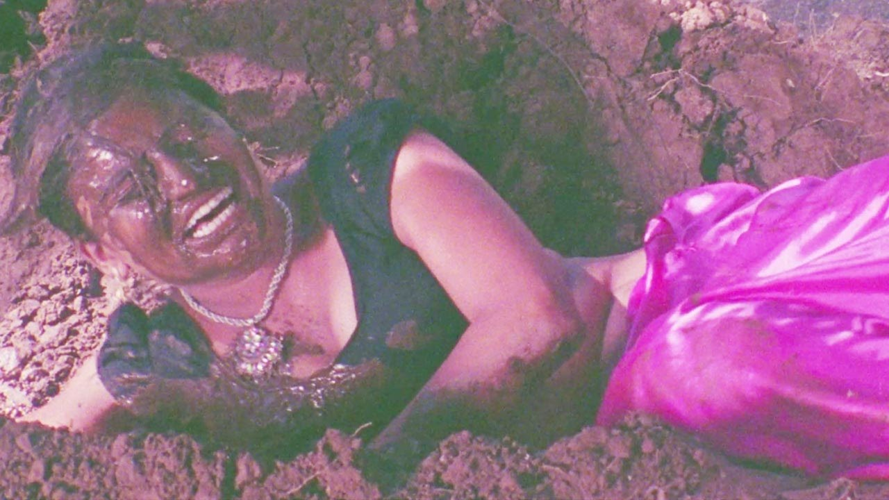 Download Sayaji Shinde, Balaji Sambhal Majhya Balala - Marathi Scene 1/6