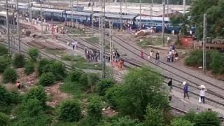 Video 12393 Sampoorna Kranti exp departure Patna junction download MP3, 3GP, MP4, WEBM, AVI, FLV September 2018