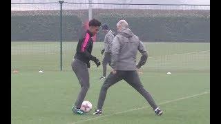 Reiss Nelson skills Arsene Wenger in Arsenal training