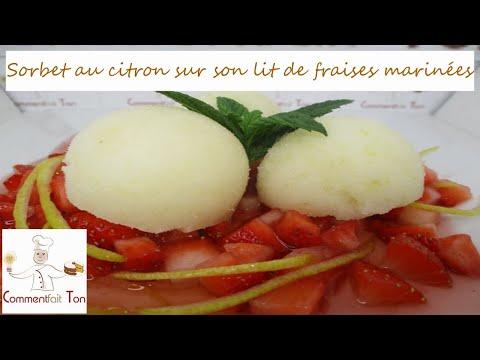 sorbet-au-citron-sur-son-lit-de-fraises-marinées-par-commentfait-ton