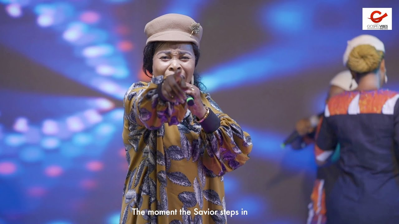 Download Tope Alabi takes PRAISE THE ALMIGHTY 2021 to another level in her 2nd ministration...