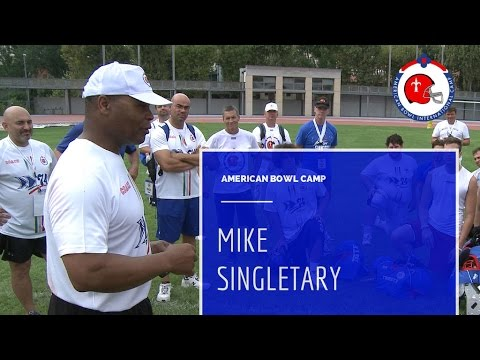 Mike Singletary lesson at American Bowl Camp - Trieste 2014