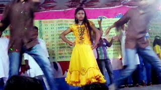 Bangladeshi School Girl's Awesome stage Dance in Public Concert