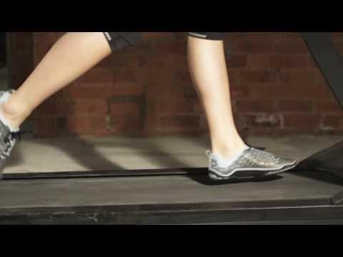 Terra Plana - Learning the skill of barefoot running