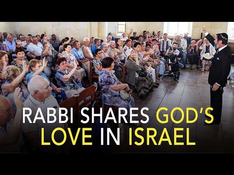 Rabbi Encourages Holocaust Survivors  |  Israel - Rabbi Ministers To Holocaust Survivors