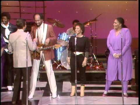 Dick Clark Interviews Skyy - American Bandstand 1982