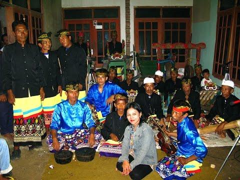 Kolaborasi Jaranan Patrol Angklung Kuntulan dan Gandrung Banyuwangi
