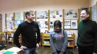 С. Жадан и Д. Крупка вручают ученице гимназии им. Короленко ноутбук(, 2013-12-19T06:53:49.000Z)