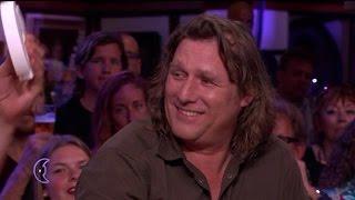 Hittegolf: Arjan zit al klaar met koelelementen - RTL LATE NIGHT thumbnail