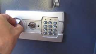 Wie knackt man einen HMF Tresor Safe Möbeltresor Elektronikschloss S30  (Model 2015)