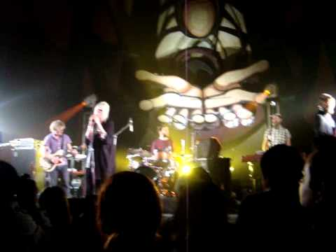 the concretes - you can't hurry love (live) indie o fest 2011