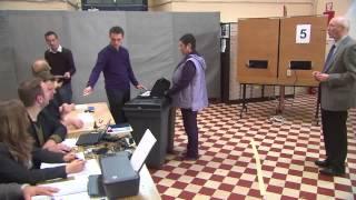 Voorzitter van een elektronisch stembureau (Smartmatic)