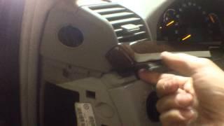Mercedes-benz S320 W220 Как снять боковой дефлектор на панели(, 2015-07-02T15:33:45.000Z)