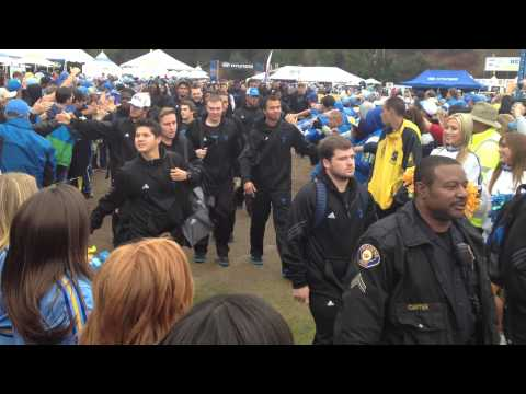 "Bruin Walk to Rose Bowl - Right before the ""REIGN"" fall - UCLA vs. U$C - 11/17/2012"