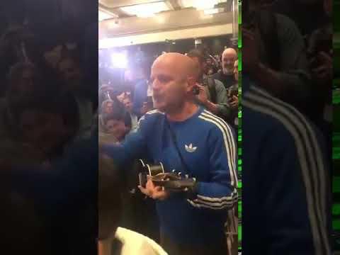 Facundo canta serenata a Tom Brady