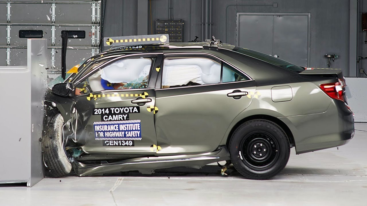 2014 Toyota Camry Driver Side Small Overlap Iihs Crash