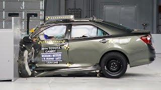 2014 Toyota Camry small overlap IIHS crash test