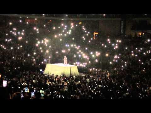 Rihanna - Intro & Stay Live - Anti World Tour, Jacksonville