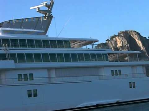 Rising sun di ellison esce dal porto di valencia doovi for Lurssen yacht genova