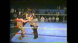 Billy Black Two Feathers vs. Mr. Puerto Rico (1980)