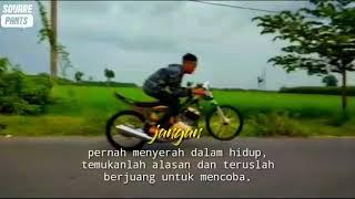 Download STORY WA LAGU DiBAWAH BATU NISAN .........