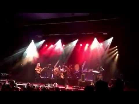 Bear's Den Red Earth & Pouring Rain live Docks Hamburg 23.10.16