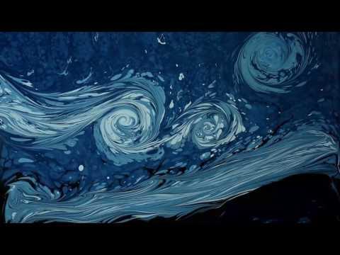 Художник рисует Звёздную ночь Ван Гога на воде!