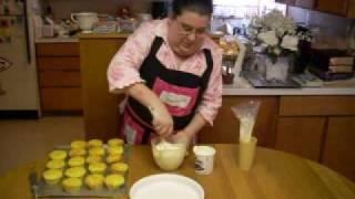 Lemon Creme Filled Cupcakes.wmv