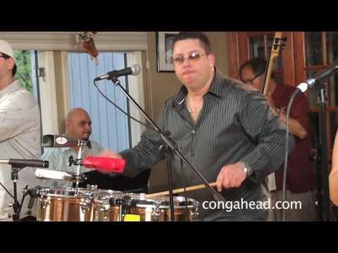 Fajardo, Jr. Y Sus Estrellas perform Kikiriki