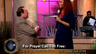 Celebrated, Contemporary Christian Musical Artist, Yolanda Adams, Performs on Helpline TV!