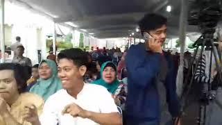 cinta hampa dewi yull pada siapa di Palembang? Apa pada Tanya Management