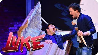 Dracula in Turkish! Halloween improvisation! - Luke! The Week and me