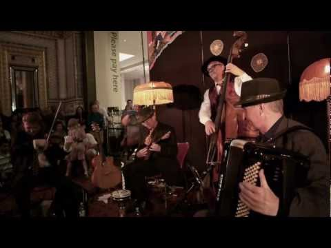kalinka---the-budapest-cafe-orchestra-at-the-v&a