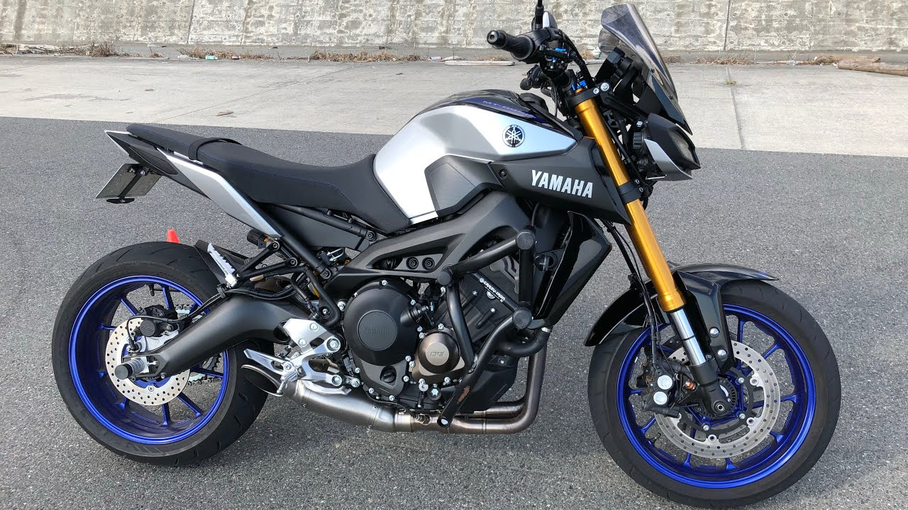 yamaha mt 09 sp akrapovic exhaust fly by response youtube. Black Bedroom Furniture Sets. Home Design Ideas