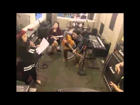 Danila di Oz radio Bandung 19 desc 2015