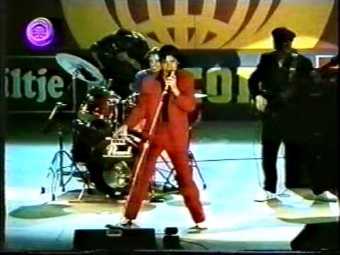 Shakin Stevens You Shake Me Up  live