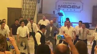 Зажигательный хака на свадьбе в Костанае