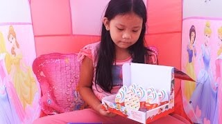 Disney Princess Play House And Kinder Joy Surprise Eggs Unboxing